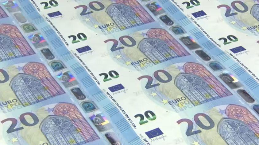 """Euro, studio tedesco: """"La Germania ci ha guadagnato più di tutti. Per gli italiani perdita di 73mila euro procapite"""""""